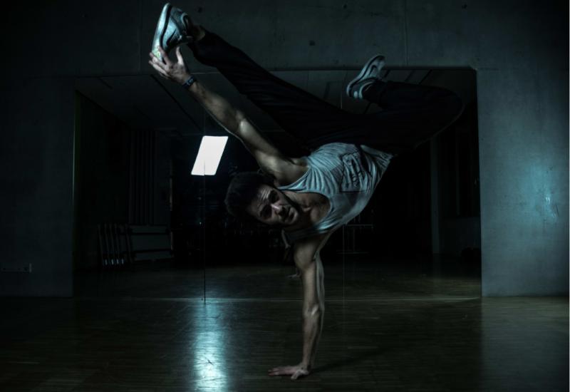 Breakdance, Break Base, Break-Base, Kurse, Unterricht, Augsburg, Dillingen, Roman, bboy Rotondo, Rotondo, Roman Pfaffenrot,